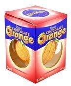 Ciemna czekolada o smaku i kształcie pomarańczy